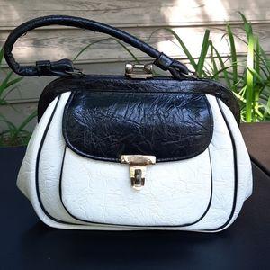 Unbranded vintage leather 50's 60's handbag